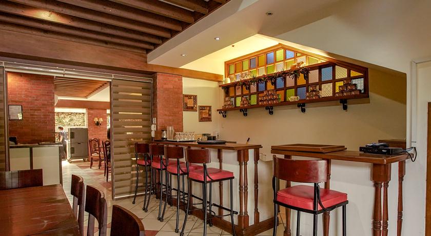 Hotel Emilia Resto Bar